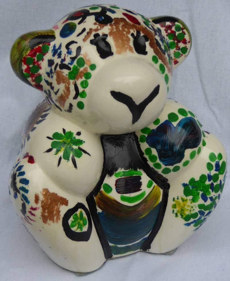 Ourson en porcelaine peint à la main en oeuvre unique