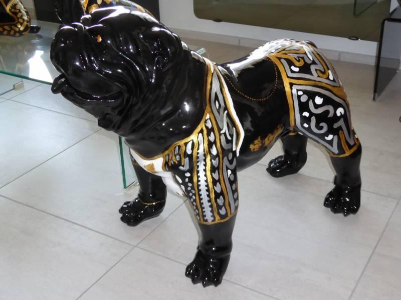 chien résine peint à la main oeuvre unique parements or et argent